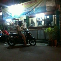 Photo taken at Bakso Sido Mampir by hengky on 4/15/2012
