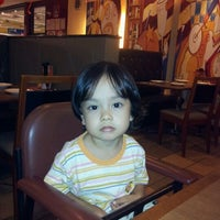 Photo taken at Pizza Hut by hamizar h. on 2/7/2012