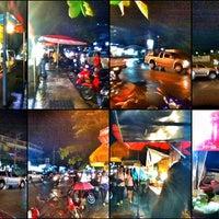 Photo taken at หลัง มช. by phuwa' k. on 7/3/2012