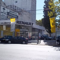 Photo taken at Renault Diaz S.A. -  Palermo by Victor B. on 5/11/2012