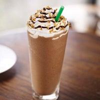 Foto scattata a Starbucks da Niki A. il 5/5/2012