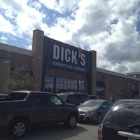 Photo taken at DICK'S Sporting Goods by Peter on 8/19/2012