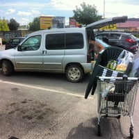 Photo taken at Tesco by Jozef Z. on 5/19/2012