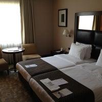 Foto diambil di Midtown Hotel İstanbul oleh LUIS A. pada 7/27/2012