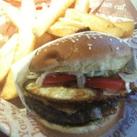 Photo taken at Red Robin Gourmet Burgers by coryeats.com on 5/22/2012