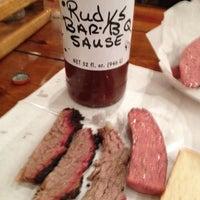 Photo prise au Rudy's Country Store & Bar-B-Q par Gloria M. le3/18/2012