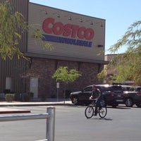 Photo taken at Costco Wholesale by Tomas Angel M. on 3/14/2012