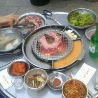 Photo taken at 강호동 백정 by Chang Soo K. on 9/12/2012