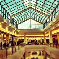 Foto tirada no(a) Shopping Iguatemi por Renato C. em 5/16/2012