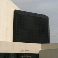Foto scattata a John F. Kennedy Presidential Library & Museum da Peg T. il 8/25/2012