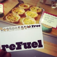 Photo prise au Octane Coffee + Little Tart Bakeshop par Nicole J. le5/24/2012