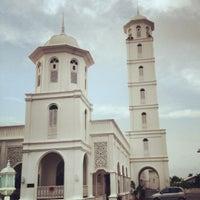 Foto scattata a Masjid Sultan Ismail (Masjid Raja Chendering) da Scouser M. il 7/7/2012