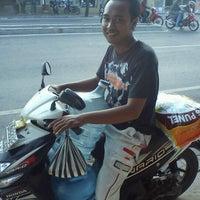 Photo taken at warung seruni by John Y. on 9/3/2012