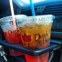 Foto scattata a Dutch Bros. Coffee da Andrew W. il 8/31/2012