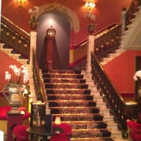 Photo taken at Hotel Des Indes by Ruud on 4/13/2012