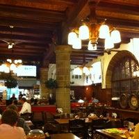 6/11/2012 tarihinde Xenia Y.ziyaretçi tarafından Zeughauskeller'de çekilen fotoğraf