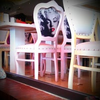 9/2/2012 tarihinde &ÖzLeM& 🚑💉💊ziyaretçi tarafından Cafe 5. Cadde'de çekilen fotoğraf