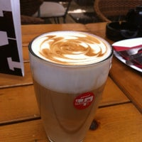 7/21/2012 tarihinde Chris W.ziyaretçi tarafından Nonloso Caffé & Bar'de çekilen fotoğraf