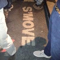 Foto scattata a S'move Light Bar da Sergio D. il 3/24/2012