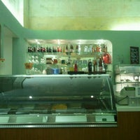 Das Foto wurde bei Roberta caffè e gelateria von David V. am 3/5/2012 aufgenommen