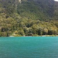 Foto tomada en Lago Todos Los Santos por Simone D. el 2/18/2012