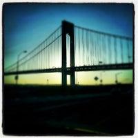 5/19/2012에 Edgar L.님이 Under the Bridge에서 찍은 사진