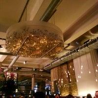 Снимок сделан в Sophie's Steakhouse & Bar пользователем Dudsadee A. 7/20/2012