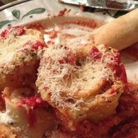 Photo taken at Olive Garden by Beth Ann E. on 8/4/2012