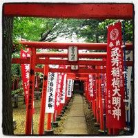 Foto scattata a 雑司ヶ谷 鬼子母神 (鬼子母神堂) da Morihiko S. il 4/30/2012