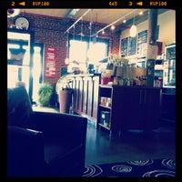 Снимок сделан в The Coffee Loft пользователем Jenn G. 2/22/2012