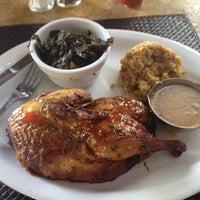 Das Foto wurde bei Paschal's Restaurant von Taz H. am 8/2/2012 aufgenommen