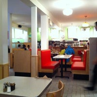 6/2/2012にMarisa S.がAux Vivresで撮った写真
