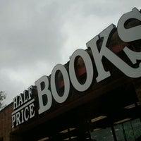Photo taken at Half Price Books by Jesús D. on 10/9/2011