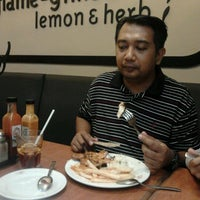 Photo taken at Nando's by Rohazlina H. on 4/22/2012