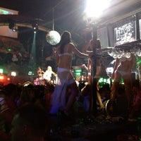 7/17/2012 tarihinde Trancyyyziyaretçi tarafından Havana Club'de çekilen fotoğraf