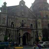 Foto tirada no(a) Minor Basilica of St. Lorenzo Ruiz of Manila (Binondo Church) por Julius O. em 4/5/2012