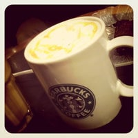 Photo taken at Starbucks by Muhamad ulun S. on 1/3/2012