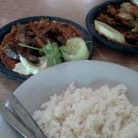 Photo taken at Warung Bu Kris by Heksa F. on 1/18/2012