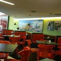 Photo taken at Eddie Fine Burgers by Eduardo O. on 12/18/2011