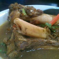 Photo taken at Restoran ZZ Sup Tulang by Izamir I. on 12/19/2011