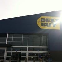 Photo taken at Best Buy by Rob S. on 3/24/2011