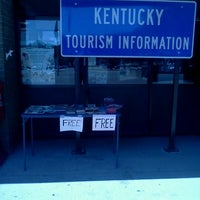 Photo taken at Kentucky Welcome Center by Jack B. on 8/29/2011