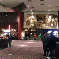 Photo taken at AMC Magic Johnson Harlem 9 by Yonoris D. on 1/14/2012