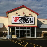Photo taken at Tractor Supply Co. by Suzanne J. on 11/20/2011