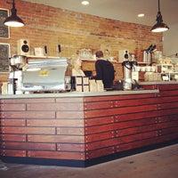 Foto tomada en Little Amps Coffee Roasters por Jayson W. el 12/3/2011