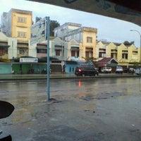 Photo taken at Jln. Hangtuah by Ririn R. on 11/20/2011