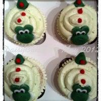Photo taken at Daisy cupcakery by Billijo C. on 5/12/2012