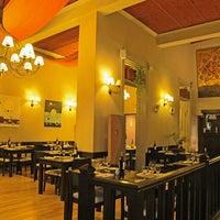 Foto diambil di Jacarandá oleh Fondo de Olla ® pada 7/3/2012