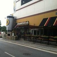 Foto tomada en Gordon Biersch Brewery Restaurant por Rob K. el 8/31/2012