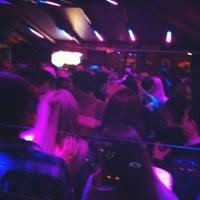 รูปภาพถ่ายที่ La Barra โดย Danna D. เมื่อ 6/9/2012